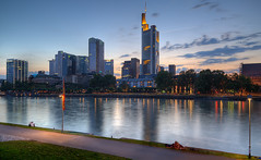 Frankfurt Skyline from Sachsenhausen (Philipp Klinger Photography) Tags: longexposure skyline night skyscraper river nightshot frankfurt main commerzbank sachsenhausen superhearts dcdead