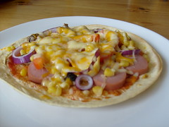 Tortilla-pizza (ingridesign) Tags: food dinner good plate pizza easy tortilla tortillapizza