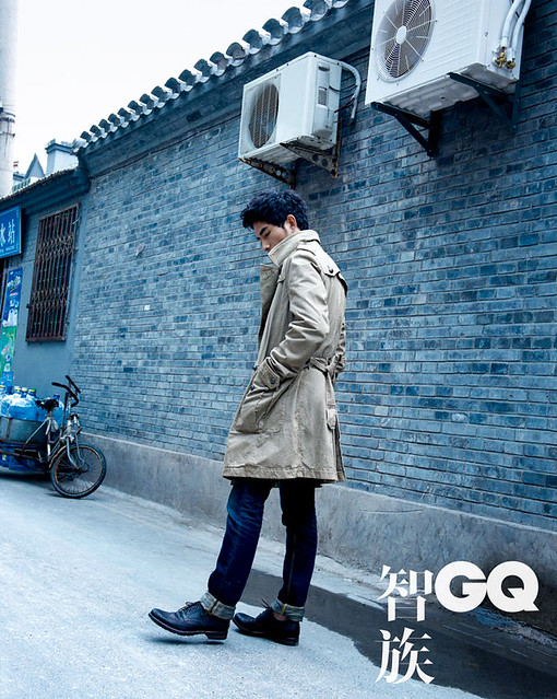 Hutong Catwalk by Pamela Hanson for GQ China 2010 Nov.