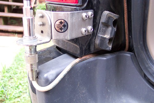 Guys With Cb Antenna Mounted Near The Rear Hatch Need