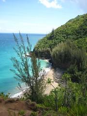 The 2-miles beach as we start to ascent again (gelle.dk) Tags: hawaii trail kalalau napalicoast