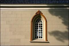 Window | Raam (Dit is Suzanne) Tags: shadow church window netherlands nederland canondigitalrebel schaduw kerk raam zuidwolde    views200 provinciegroningen img1692  provincegroningen  nederlandshervormdekerk dutchprotestantchurch sigma18125mm13556 27082007 thegoldenmermaid boterdiepwz geo:lat=5326105 geo:lon=6592832