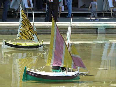 bateaux jaunes.jpg