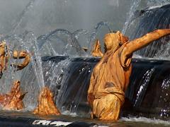Grandes eaux musicales du chateau de Versailles (louistib) Tags: france water waterfall eau versailles chateau fontaine gargouille goutte