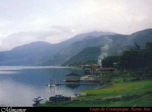 COATEPEQUE LAKE / LAGO DE COATEPEQUE