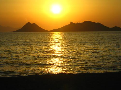 goodbye sunset to holidays
