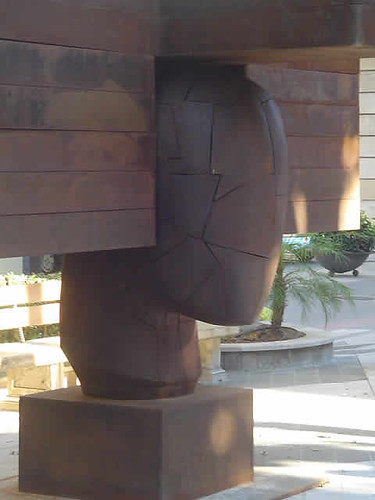 Coloso de Manolo Valdés