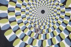 右脳を鍛える目の錯覚画像