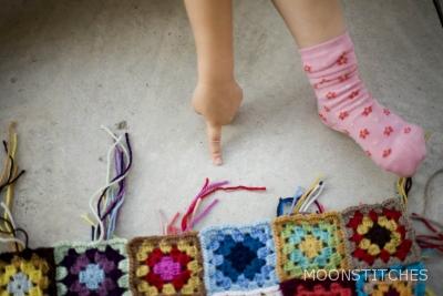 finger, foot, squares