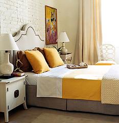 White and yellow bedroom: Domino magazine by xJavierx