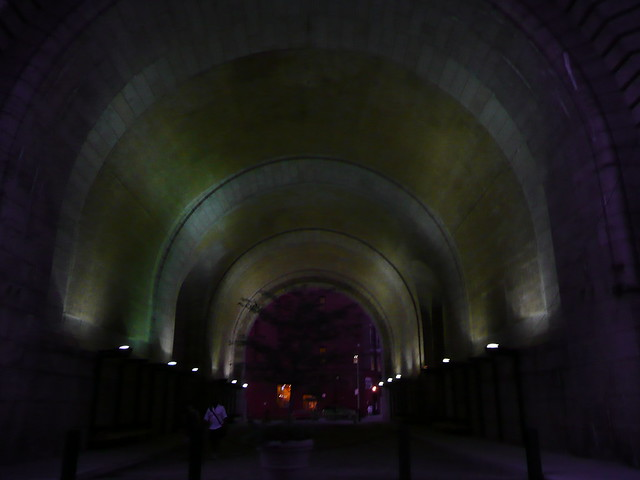 pretty tunnel in dumbo.