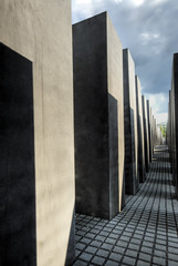 Memorial to the Murdered Jews of Europe (Wolfgang Staudt) Tags: city trip travel blue windows roof summer sky people sun berlin beautiful architecture germany deutschland mirror spring nikon memorial europe nikond70 steel capital hauptstadt unterdenlinden sightseeing sigma tourist jews aussicht parlament viewpoint dach bundestag vacancy regierung brandenburg glas 2007 reise pariserplatz stahl memorialtothemurderedjewsofeurope kuppel wahrzeichen bundesrepublikdeutschland capitalcity kpenik travelphotographie wolfgangstaudt 66111 berlinjuni2007