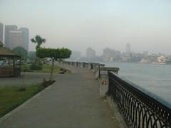 1 ลู่วิ่งของผมบนฟุตปาธริมถนนริมแม่น้ำไนล์