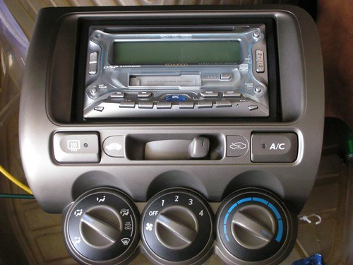 Kenwood Double-din CD/Mp3 plus cassette player