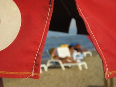 The Warm Summer..........Under The Beach Umbrella (rogilde - roberto la forgia) Tags: sea summer italy beach italia mare spiaggia silvi afa italians abruzzo caldo ombrellone miraggio warmsummer umidit anawesomeshot colorphotoaward ysplix estatecalda