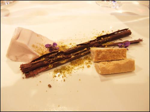 Mugaritz (Errenteria) - Violet Ice Cream