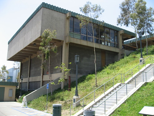 Barnsdall Arts Center