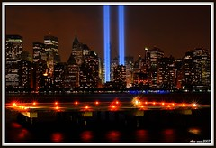 9/11 Tribute in lights from Jersey City (yilenes) Tags: nyc worldtradecenter 911 wtc september11th tributeinlights 911tribute septemer11 megashot