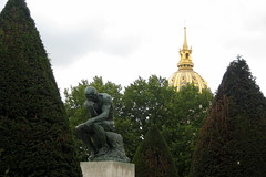 Paris - Muse Rodin: Le Penseur (wallyg) Tags: sculpture paris france church statue museum garden europe dome muserodin sculpturegarden rodin jardins thethinker hotelbiron penseur rodinmuseum museerodin augusterodin lepenseur glisedudme thepoet hteldesinvalides htelbiron