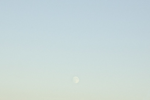 20070924_PH_moon_over_76_2_1_web.jpg