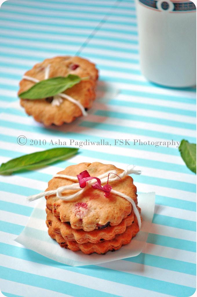 Rhubarb & sage cookies