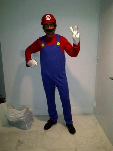 Mario Romancini as Mario