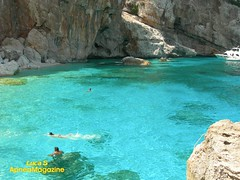 Cala Mariolu (Apneamagazine) Tags: sardegna mediterraneo mare blu azzurro baunei orosei calamariolu goloritze