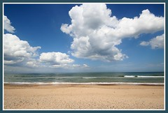 Norfolk beach (Linda Cronin) Tags: sea sky beach clouds interestingness sand norfolk explore naturesfinest blakeneypoint supershot flickrsbest challengeyouwinner mywinner abigfave 3waychallengewinner cywinner lindacronin flickrelite motifdchallengewinner likeitornotwinner friendlychallenges friendlycomments pregamewinner