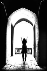 (DeLaRam.) Tags: bw green girl edited explore 2a delaram lightting azadii  injairan