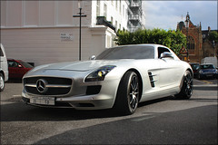 Mercedes SLS AMG (Alex Penfold) Tags: auto london cars alex sports car canon silver photography eos mercedes benz photo cool image awesome picture fast super spot harrods knightsbridge exotic photograph arab german spotted supercar spotting sls exotica amg 2010   gullwing merc penfold         450d     hpyer