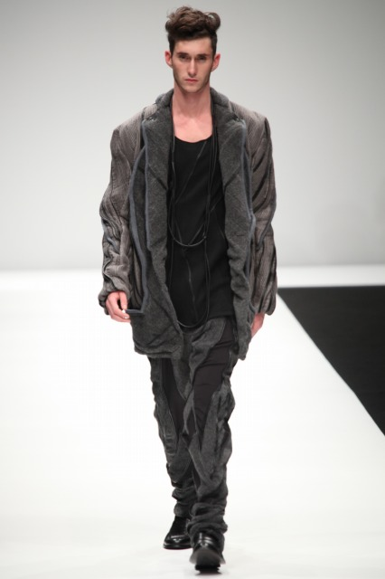 Mathias Bilien3010_SS11_Tokyo_2010 New Designer Fashion Grand Prix(changefashion)