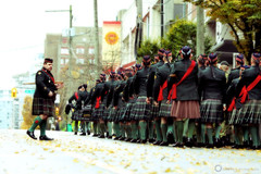 Parade (PiscesDreamer) Tags: city urban vancouver march memorial uniform downtown kilt britishcolumbia military ceremony parade soldiers remembranceday cenotaph warmemorial veterans cambiestreet weremember canadianforces seaforthhighlanders royalcanadianlegion victorysquarepark lestweforgetthosewhoservedandcontinuetoserve