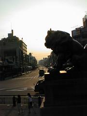 八坂神社から夕暮れの四条通