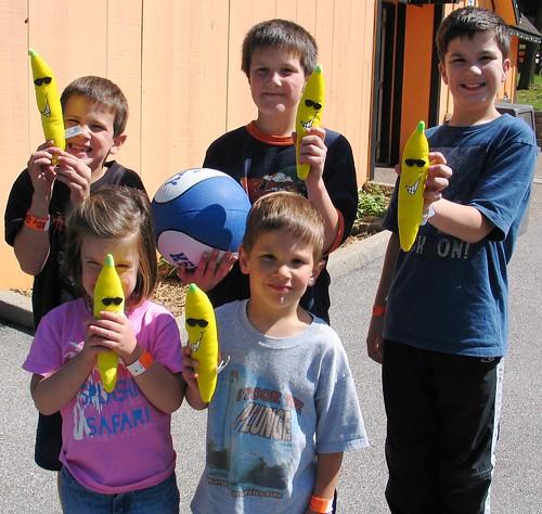 Stacie's kids go bananas!