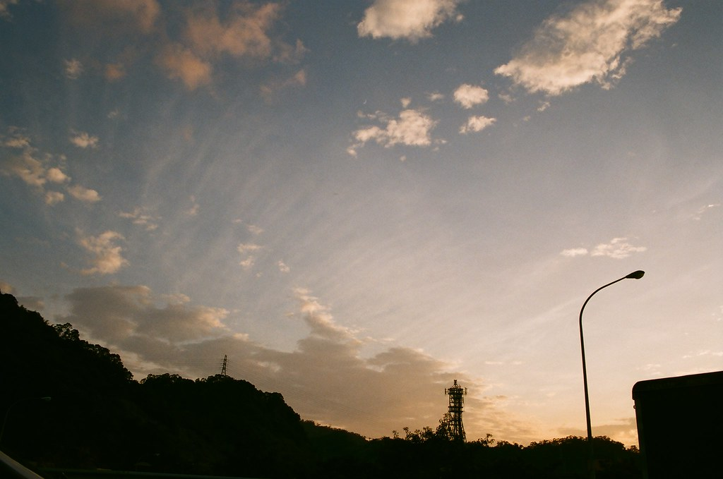 黃昏一張.在國道
