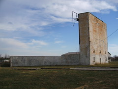 Gypsy Drive-In, Bardstown, KY (Wallyum) Tags: abandoned movie theater kentucky drivein bardstown us31e ozoner