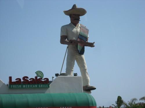 Giant Mexican Muffler Man