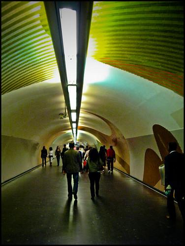 Metro Green Curves