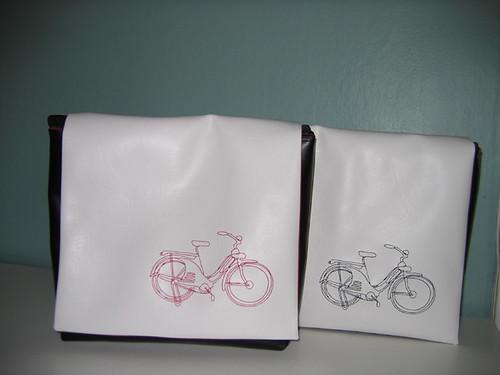 white messenger bag - cruiser red/black