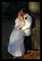 Enfin le jour si attendu! (lildevilz) Tags: wedding portrait love nature couple mariage amoureux nikond40x