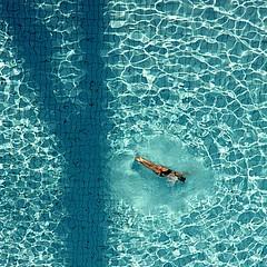 Ye~~~~ (Color-de-la-vida) Tags: blue water azul agua eau sombra mosaico bleu explore  frontpage colordelavida ye~~~~ ye