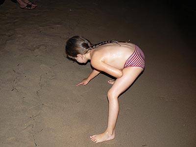 concours de dessin sur le sable.jpg