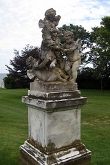 RI - Newport: Rosecliff - Statuary (wallyg) Tags: ri sculpture house statue j landmark rhodeisland newport edgar monroe mansion rosecliff mckimmeadandwhite gildedage mckimmeadwhite nationalregisterofhistoricplaces nrhp newportcounty aquidneckisland stanfordwhite usnationalregisterofhistoricplaces preservationsocietyofnewportcounty theresafairolerichs hermanoelrichshouse jedgarmonroehouse edgarmonroehouse