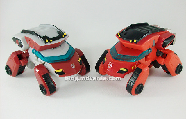 Transformers Ironhide Animated Deluxe Takara - modo alterno vs Ratchet