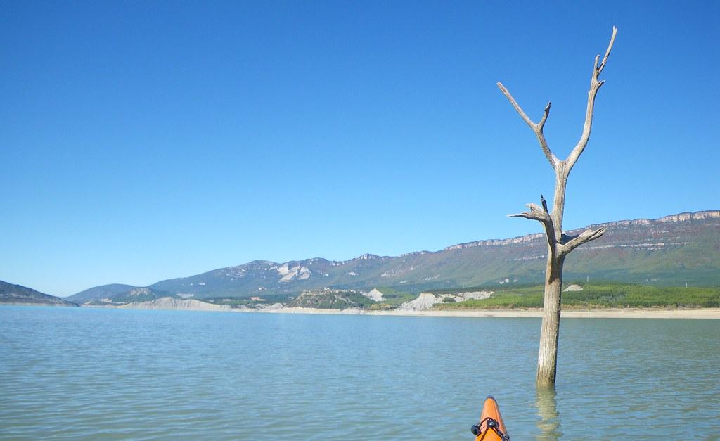 Pantano de Yesa en kayak 027