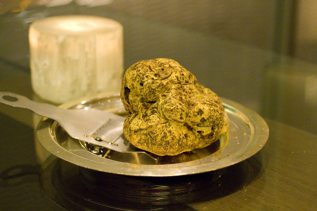 1 lb white truffle