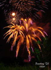 Fourth of July (CecillePL) Tags: fireworks fourthofjuly independenceday sonydsch5 rosenbergtx seabournecreekpark