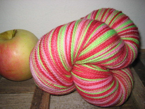 Woolly Boully Country Apple