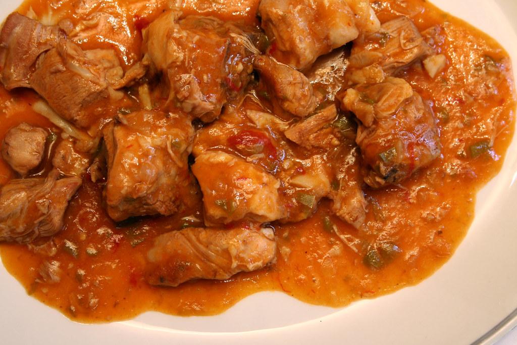 Cordero al chilindrón, plato del recetario navarro