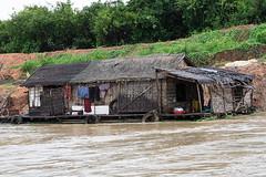 100_4583 (Bryan Hsieh) Tags: travel people lake building cambodia siemreap angkor  2007 tonlesap     eos5d